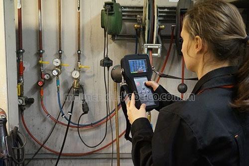 Sử dụng thiết bị chuyên dụng để phát hiện rò rỉ khí nén ở hệ thống máy nén khí nhanh chóng