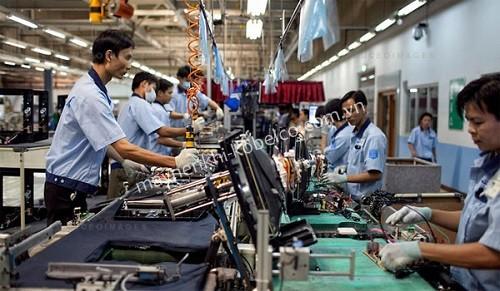 Máy nén khí trục vít được ứng dụng hiệu quả trong ngành kỹ thuật điện tử
