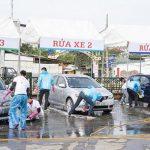 Máy rửa xe tại tiệm rửa xe