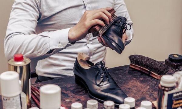 Dụng cụ cần thiết cho công cuộc làm sạch giày